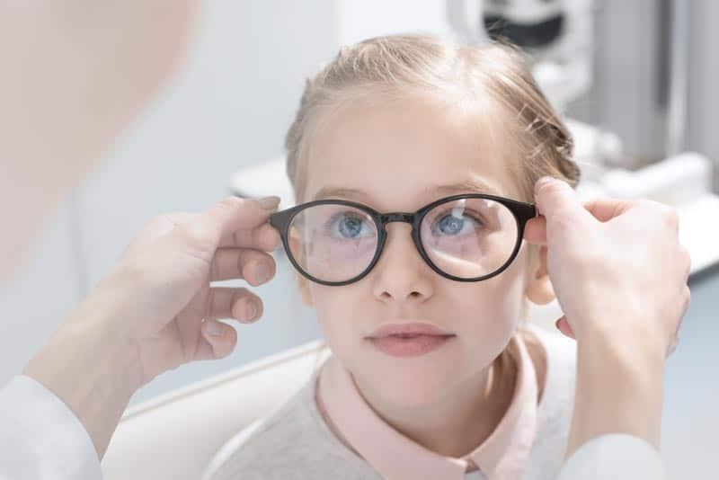 Spécialiste de la myopie sur Annecy, Blinka, optometriste opticien à annecy-argonay