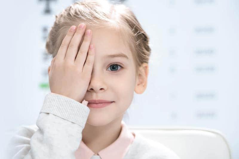 Spécialiste de la myopie, Blinka, optometriste opticien à annecy-argonay